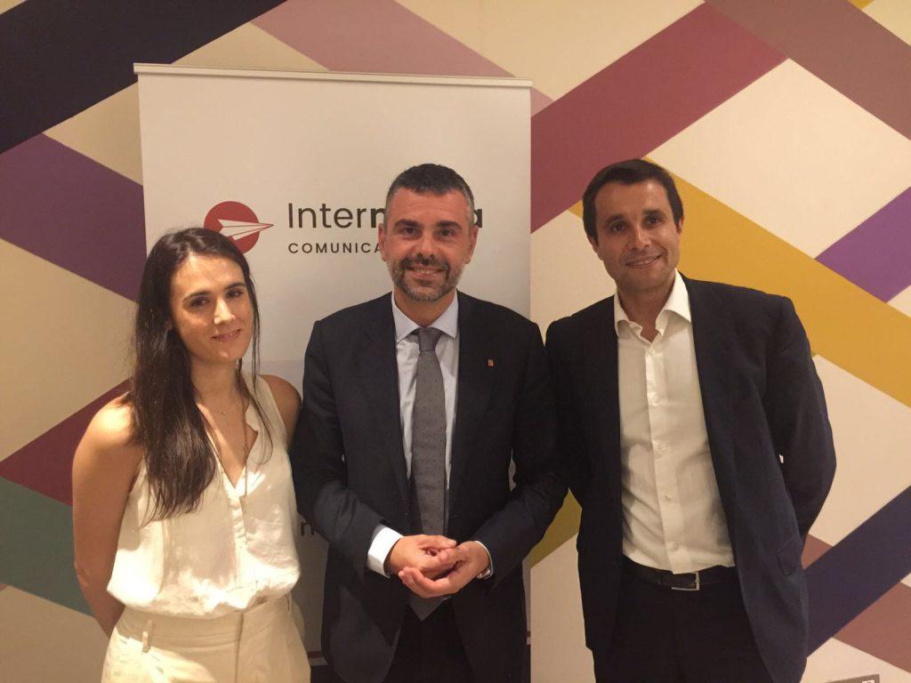 Aina Rodríguez (adjunta a direcció a Intermèdia), Santi Vila (conseller de Cultura) i Albert Ortas (director general d'Intermèdia)